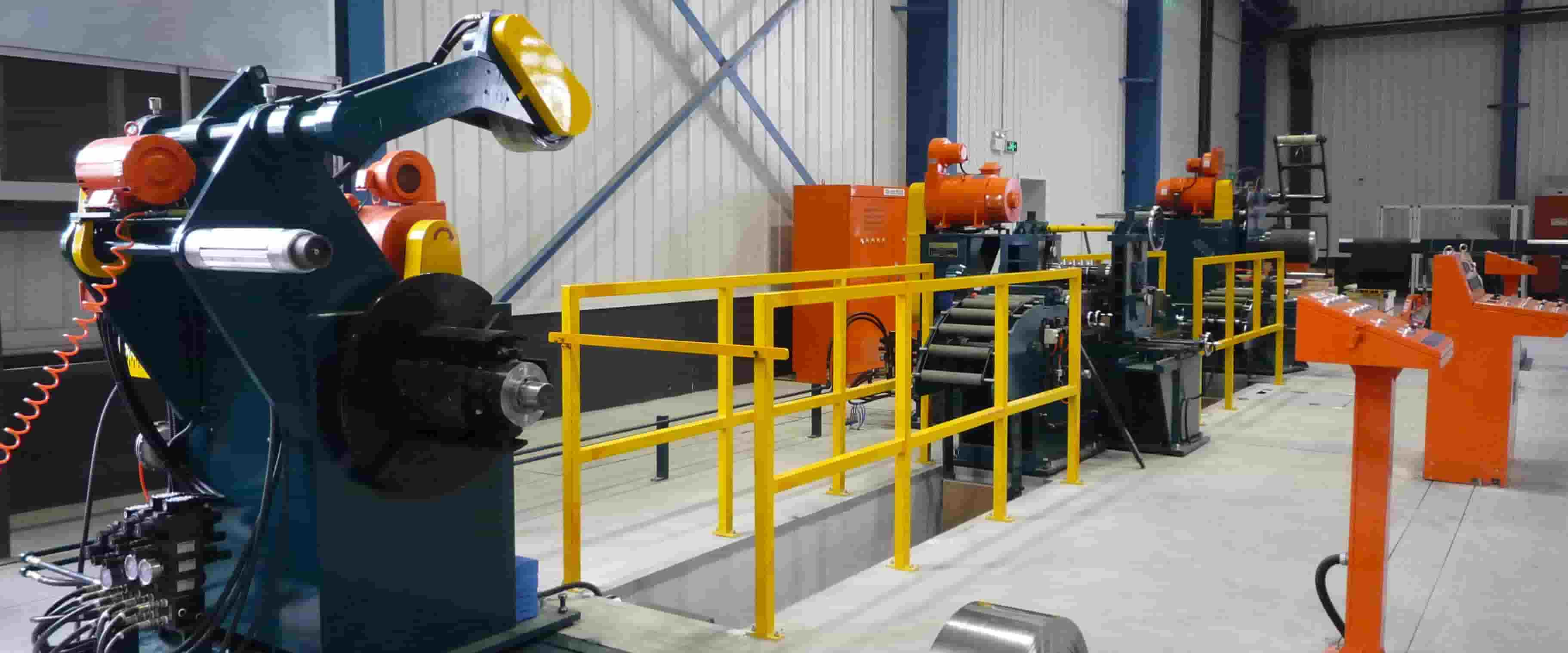 Slitting line for thin and delicate strips
